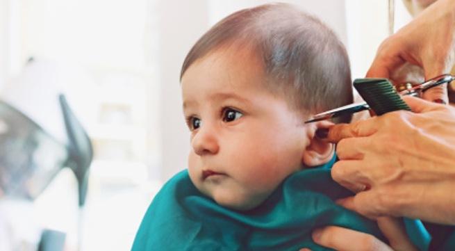 Khi nào thì cắt tóc cho trẻ sơ sinh