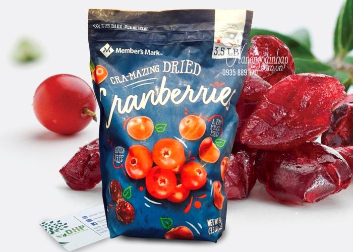 Nam-viet-quat-say-kho-Members-Mark-Cranberries-1,59kg-cua-My