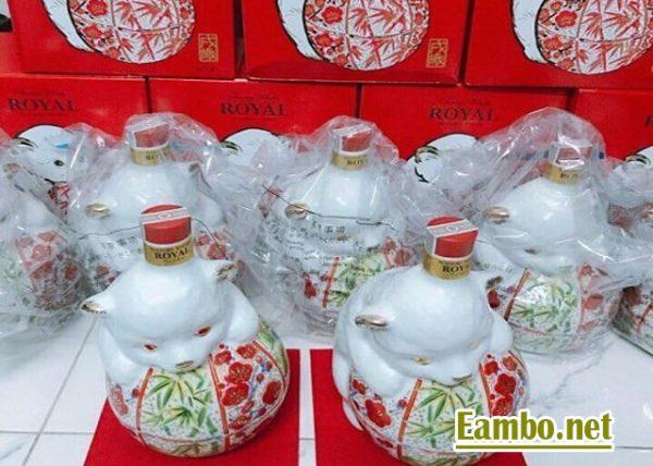 ruou-con-cho-whisky-suntory-royal-600-ml-cua-nhat-ban-4