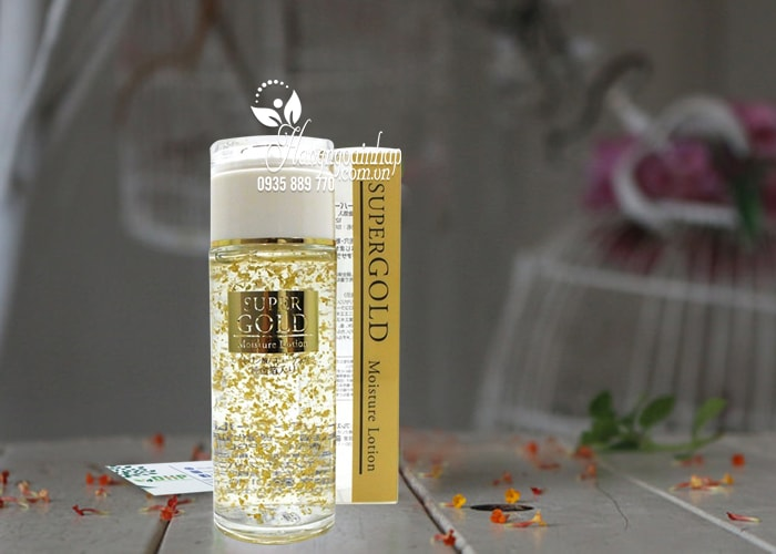 sua-duong-am-tinh-chat-la-vang-super-gold-moisture-lotion-120ml-cua-nhat-ban