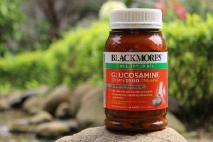 Thuốc bổ xương khớp Blackmores Glucosamine có tốt không-1