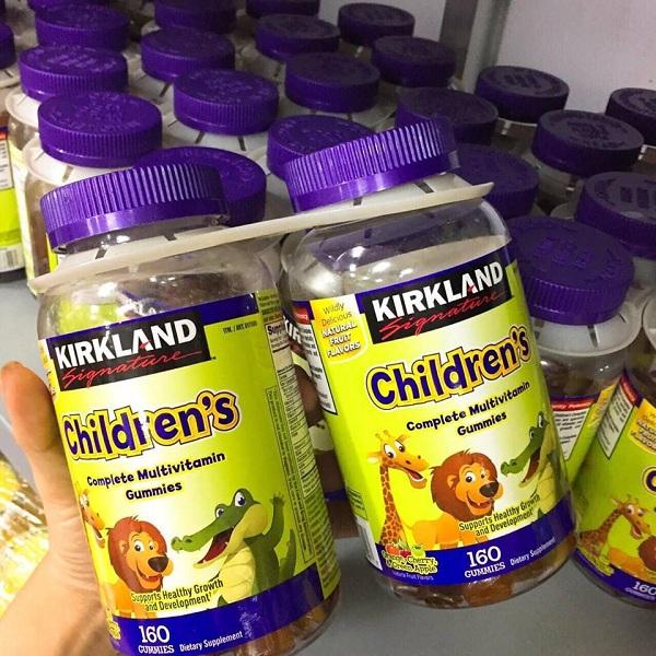 Kẹo dẻo vitamin cho bé Kirkland Children's Complete Gummies 1