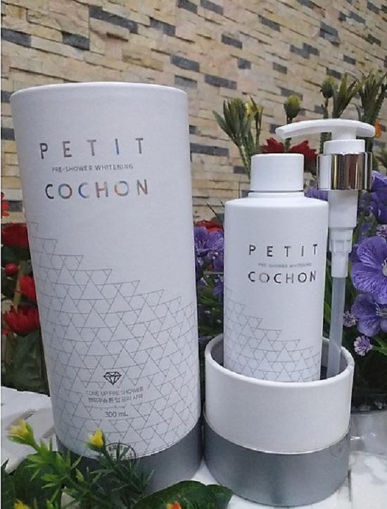 Sữa tắm trắng hương nước hoa Petit Cochon 300ml mới 1