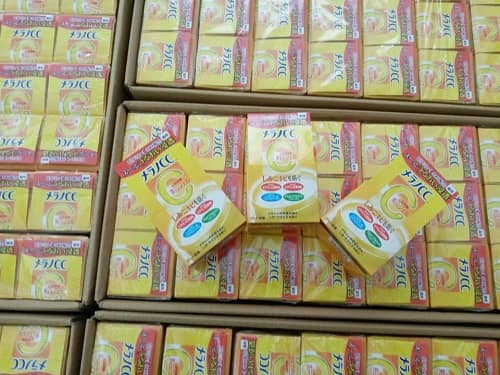 Kem dưỡng trắng da Melano CC Brightening Gel review chi tiết