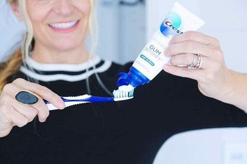 Review kem đánh răng Crest Pro Health 116g của Mỹ-4