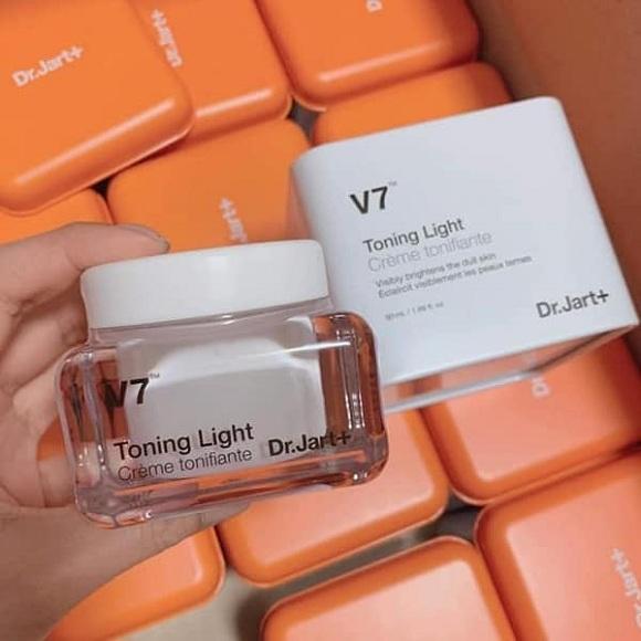 Kem dưỡng trắng da Dr Jart V7 Toning Light mẫu mới nhất 00