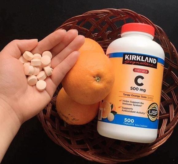 Vitamin C Kirkland có tốt không? Trẻ em dùng được không? 1